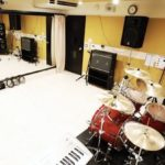ドラム初心者スタジオ練習初めてだと誰でも恥ずかしい!持ち物は何が必要?